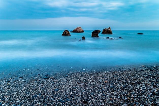 Playa de torre de la sal, casares, málaga, españa