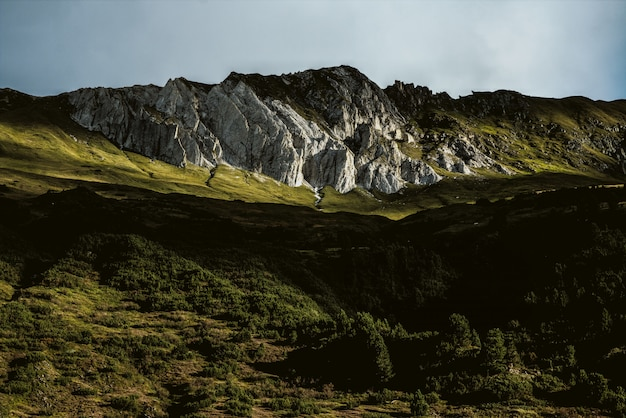 Poca luz de la montaña