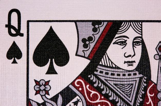 Poker casino jugando a las cartas. reina de espadas