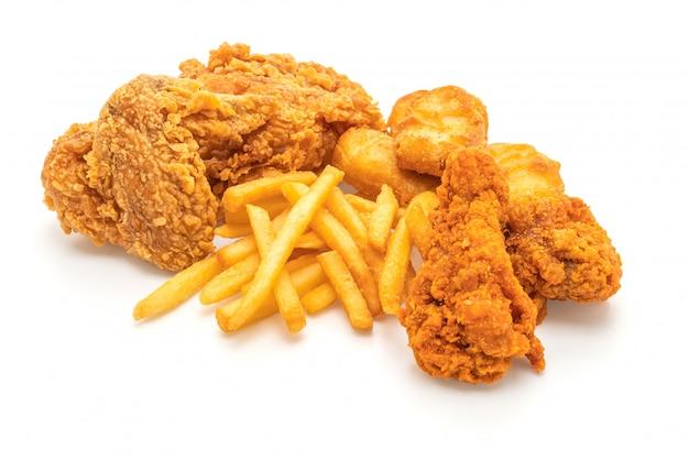 Pollo frito con papas fritas y comida de nuggets (comida chatarra y comida poco saludable)