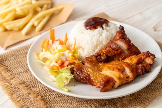 Pollo a la parrilla con salsa teriyaki y arroz