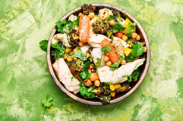 Pollo con verduras y garbanzos en la india