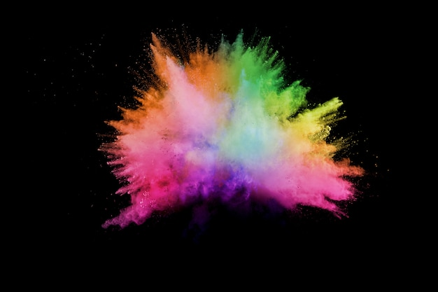Polvo colorido lanzado. color polvo explosión. salpicaduras de polvo colorido.