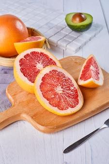 Pomelo aguacate fruta fresca