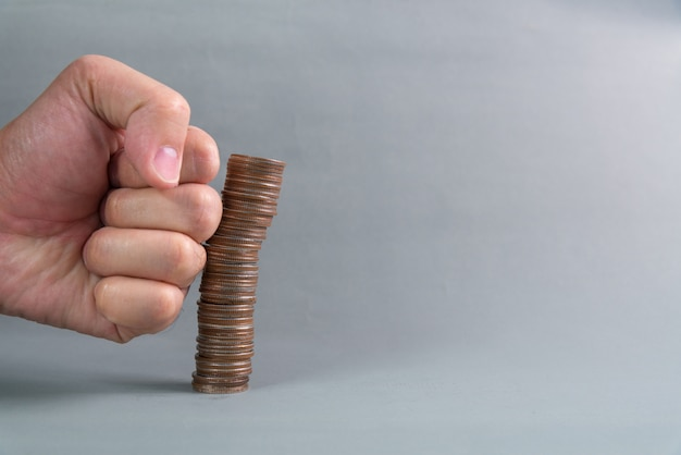 Poner a mano las columnas crecientes de monedas.