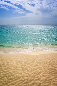 Ponta preta playa y dunas en santa maria, isla de sal, cabo verde