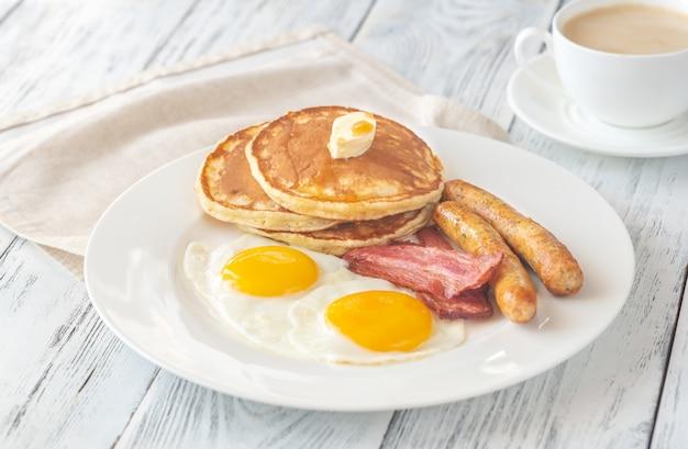 Porción de desayuno americano