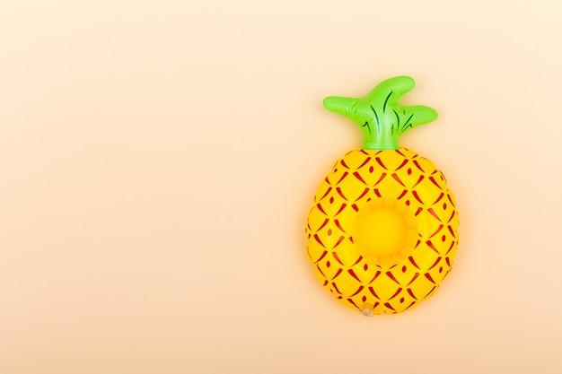 Portavasos inflable en naranja