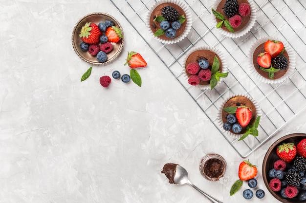 Postre y fruta hermosa y deliciosa