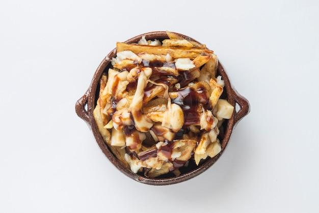 Poutine comida típica de la calle en canadá