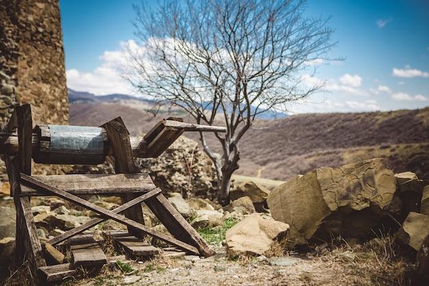 Pozo viejo pueblo de madera
