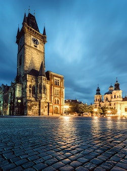 Praga, antiguo ayuntamiento tarde por la noche