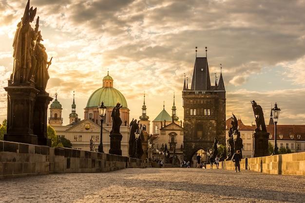 Praga puente de carlos amanecer