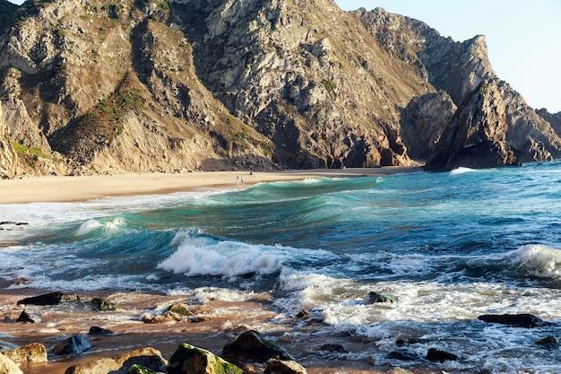 Praia da ursa beach