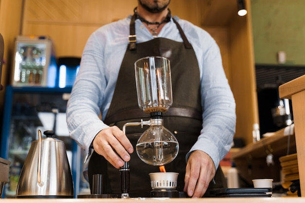 Preparación de café mediante dispositivo siphon