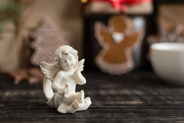 Preparación de decoraciones navideñas