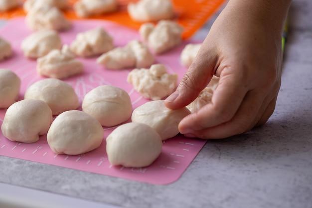Preparación de masa de hojaldre para la repostería china