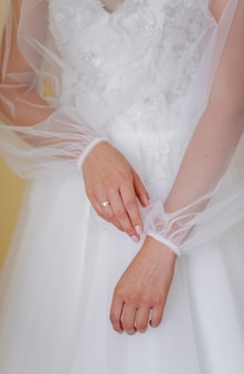 Preparación matutina de la novia para el gran día