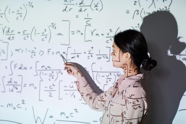 Presentación de estudiante de matemáticas