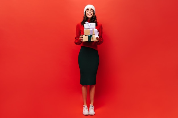 Pretty woman tiene tres cajas de regalo