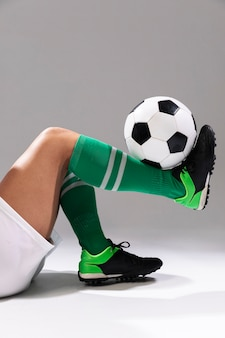 Primer fútbol haciendo trucos