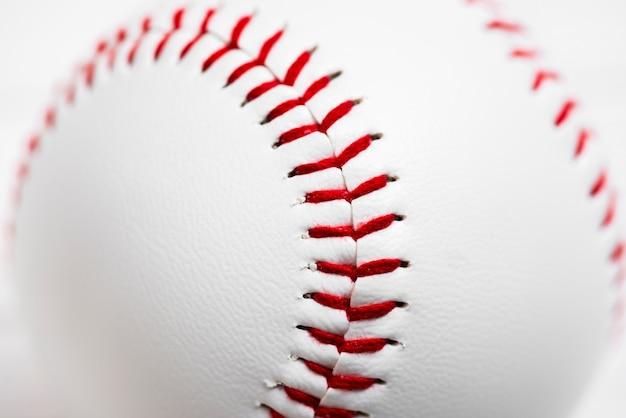 Primer plano de béisbol limpio