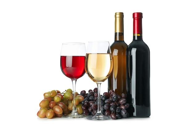 Primer plano, de, botella, y, copas de vino