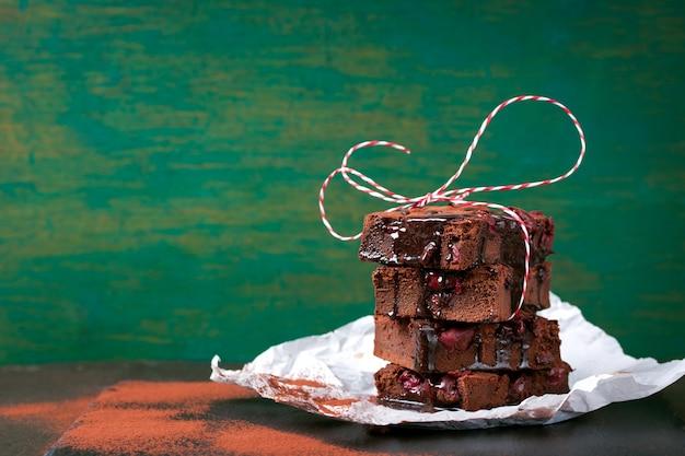 Primer plano de brownie sabroso