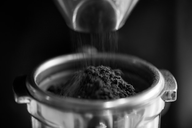 Primer plano de café molido fresco