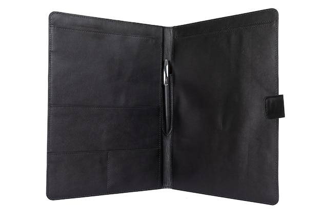 Primer plano de una carpeta de documentos cara de cuero.