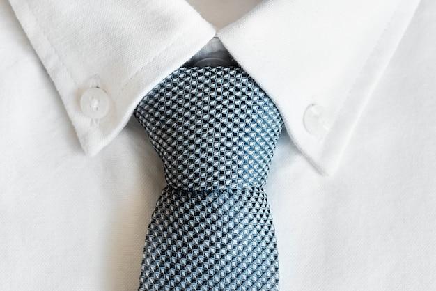 Primer plano de la corbata