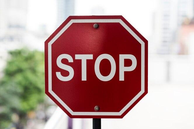 Primer plano de la señal de stop