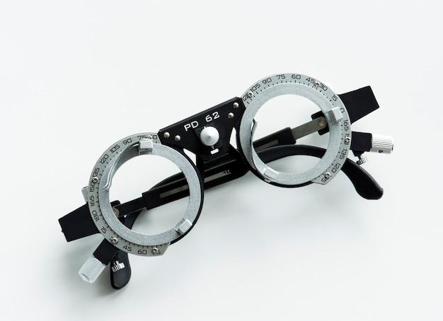 Primer plano de medición de anteojos