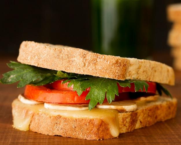 Primer plano delicioso sándwich