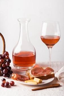 Primer plano de deliciosos elementos de cata de vinos