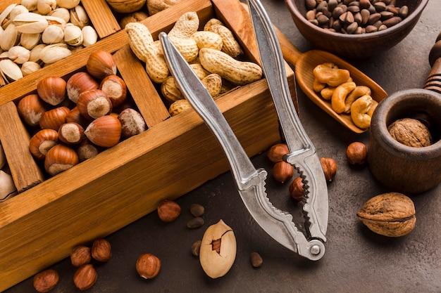 Primer plano diferentes tipos de nueces