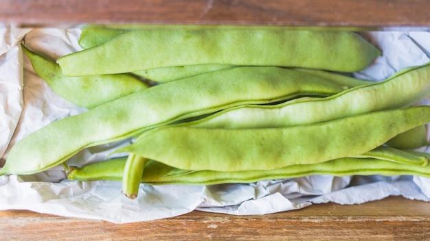 Primer plano de las habas de jacinto verdes saludables