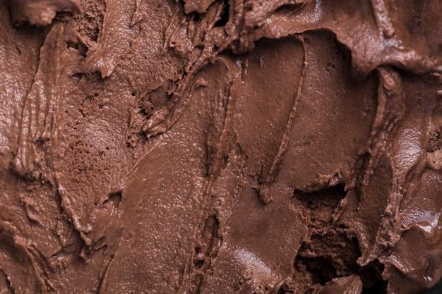 Primer plano de helado con sabor a chocolate