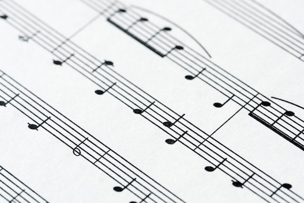 Primer plano de la hoja musical