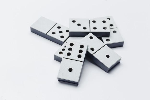 Primer plano de juego de dominó