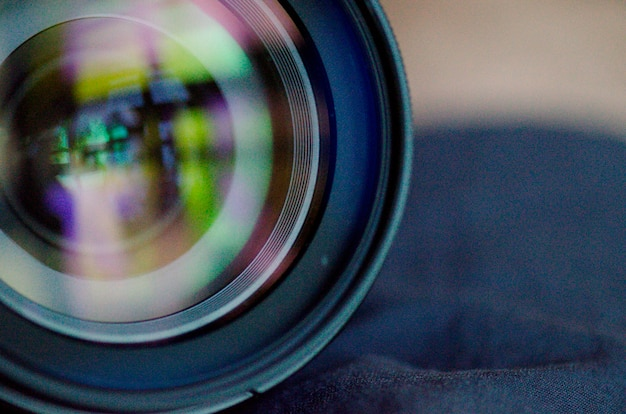 Primer plano de una lente de una cámara digital