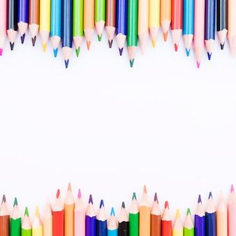 Primer plano líneas onduladas de lápices