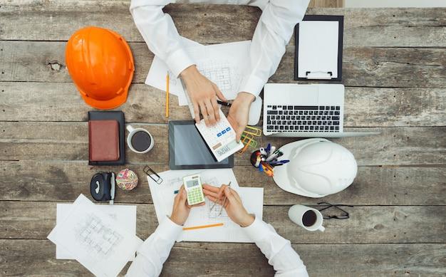Primer plano de manos de reunión de negocios