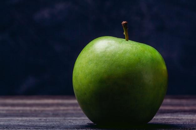 Primer plano de manzana verde