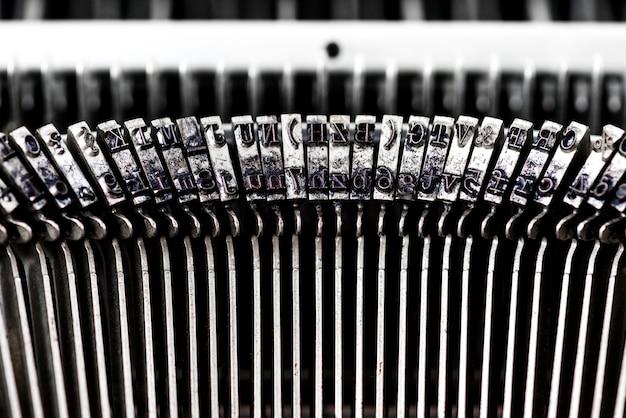 Primer plano de máquina de escribir retro