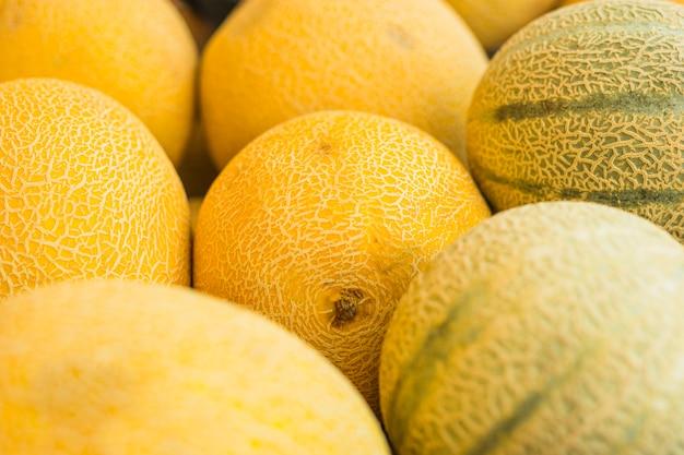 Primer plano de melón fresco y melón almizcle