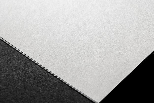 Primer plano de papel con textura de alto ángulo de marca