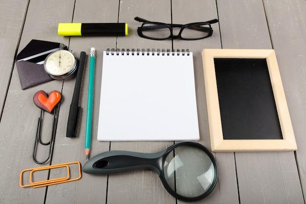 Primer plano de papelería escolar