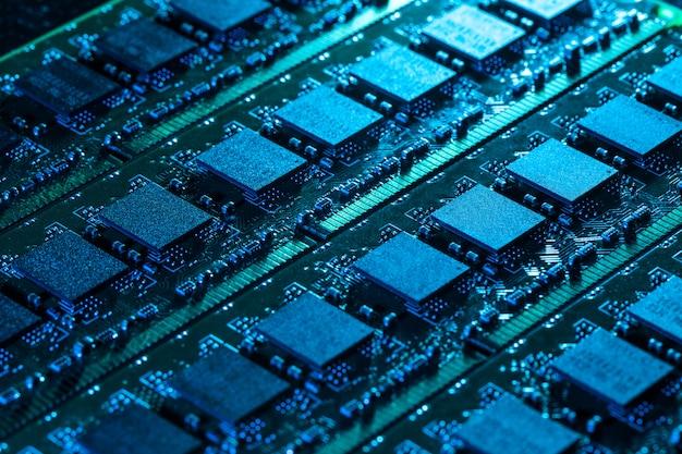 Primer plano de partes de computadora