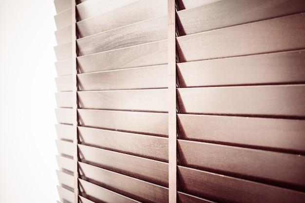 Primer plano de persiana de madera persiana